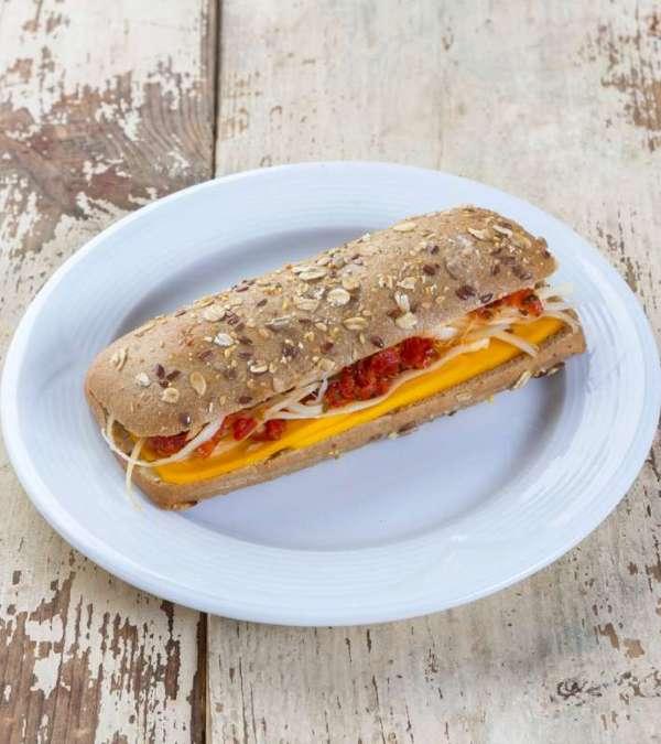 Çeçil Peynirli Sandviç